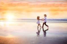 San Diego, California fine art family photographer, specializing beach and sunset pictures. Kids Beach Photos, Sibling Beach Pictures, Sunset Pictures, Family Pictures, Bff Pictures, Types Of Photography, Candid Photography, Landscape Photography, Beach Photography Children