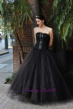 #dark #rock #quince #15 #años #vestidos