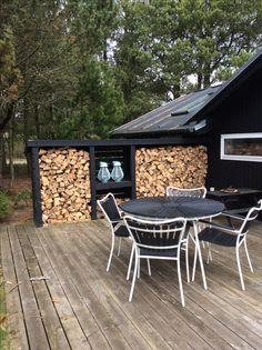 Outdoor Ideas, Outdoor Decor, Wooden Houses, Cottage House, Beach House, Porch, Weird, Garage, Patio