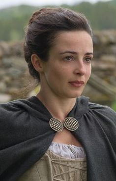 Claire Fraser, Jamie Fraser, Jamie And Claire, Outlander Book Series, Outlander Casting, Outlander Tv Series, Laura Donnelly, Outlander Costumes, Outlander Season 1
