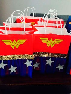 As you can see in today's post I want to share with all our readers the best ideas for decoration and organization for a Wonder Woman Theme Party. Wonder Woman Birthday, Wonder Woman Party, Birthday Woman, Anniversaire Wonder Woman, Girl Superhero Party, 6th Birthday Parties, Birthday Ideas, 8th Birthday, Happy Birthday