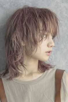 Tomboy Hairstyles, Hairstyles Haircuts, Short Punk Hair, Short Hair Cuts, Hair Inspo, Hair Inspiration, Medium Hair Styles, Short Hair Styles, Ulzzang Hair