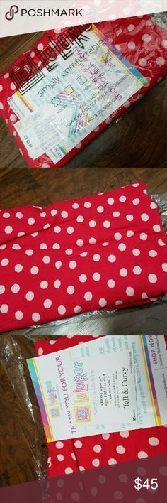 NWT Lularoe Red and White Polka Dot Leggings TC Brand new in package Lularoe leggings. Only opened to photograph. Red and white polka dots. More of a pinkish red color than a dark red. Size Tall And Curvy (womens 10-22). Made in China. LuLaRoe Pants Leggings