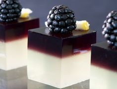 blackberry gin jello-shot