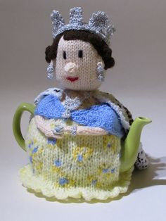 Get ready for the Queens 90th birthday with the Queen Elizabeth II tea cosy knitting pattern http://www.teacosyfolk.co.uk/1950's-Queen-Elizabeth-II-Tea-cosy-p-78.php #TeaCosyFolk