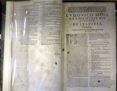 MOLINA, Luis de, p., S. J., 1536-1609. Ivstitia et ivre : tomus primus. Ultima ed. inst. Coloniae Agrippinae: Hermanni Mylii, 1614. Detalhe: interior da obra