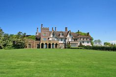 Fairholme is one of the great waterfront mansions of Newport, RI. The home was built in 1875 for Fairman Rogers. Built by Frank Furness Abandoned Houses, Old Houses, Amazing Houses, Newport Ri Mansions, American Mansions, Newport Rhode Island, Grand Homes, Expensive Houses, Castles