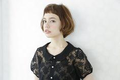 ☆BOB hair☆ yuzo hasegawa Hair Design(apish) ボブカットベースに大きくふんわりのワンカールのふんわりパーマをかけました ショートバングもポイント!! colorはグラデーションで根元はブラウン系カラー カット+パーマ+カラー 3時間30分