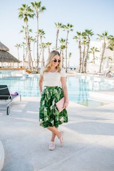 How to Style a Palm Print Skirt: Pink Accessories — bows & sequins Leaf Skirt, Trendy Summer Outfits, Pink Accessories, Pink Crop Top, Printed Skirts, Spring Summer Fashion, Sequins, Style Inspiration, Fashion Outfits