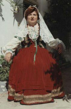 Traje Paymogo, típico serrana. Huelva