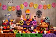 Fete Halloween, Halloween 2020, Happy Halloween, Day Of The Dead Diy, Day Of The Dead Party, Fiesta Decorations, Halloween Decorations, Frida Paintings, Mexican Party