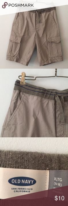 Old navy cargo shorts Like new boys cargo short from old navy. Elastic adjustable drawstring waist. 100% cotton. Old Navy Bottoms Shorts