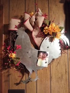 Country wreath with a magnetic roster and a burlap bow