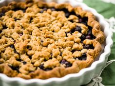The best of all worlds: a blueberry pie with a buttery crumble topping