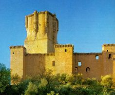 The castle-palace of Belalcazar is one of the most representative of the fifteenth century, when the nobility attempted to demonstrate its social and economic status.