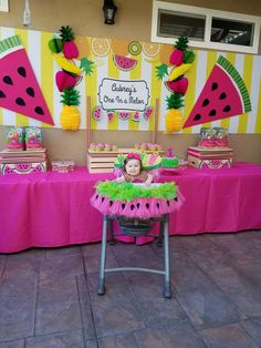 Banner on highchair! Watermelon Birthday Parties, 1st Birthday Party For Girls, Fruit Birthday, Girl Birthday Themes, Baby First Birthday, Birthday Ideas, Birthday Cake, Birthday Crafts, Birthday Cookies