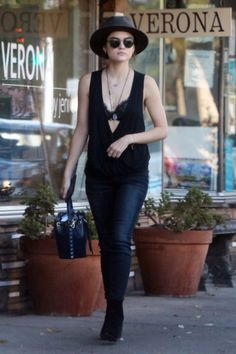 Lucy heading to breakfast at the Aroma cafe with her boyfriend, Anthony Kalabretta on August 30th, 2016 in Studio City, California.