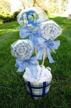 OMG this baby shower bouquet is almost too cute for words.