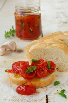 pomodorini confit Veggie Recipes, Appetizer Recipes, I Love Food, Good Food, Homemade Chili, Chutney, Fruit And Veg, Appetisers, Cooking Time