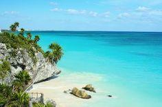 Cancun é um dos principais destinos turísticos do mundo quando se pensa em praias. http://pes.ca/1azeYRg