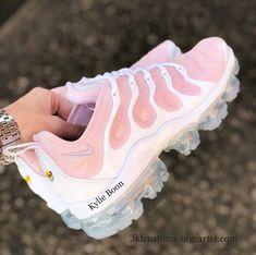 buy online e8ee3 b7f03 Image of PINKY Nike Vapormax Plus Cute Sneakers, Sneakers Nike, Nike  Trainers, New
