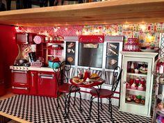 Emily's Diner Is Open! (OG Diner photos) | American Girl Playthings!