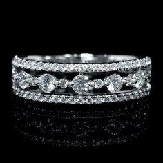 Big Wedding Rings, Wedding Ring Designs, Wedding Rings Vintage, Bridal Rings, Wedding Ring Bands, Unique Diamond Engagement Rings, Gold Diamond Wedding Band, Gold Wedding, Dream Wedding