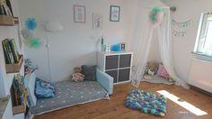 Pokój dziewczynki pokój dziecięcy baldachim kącik do czytania kallax Ikea półki książki