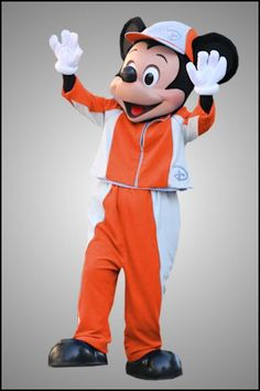 Mickey Disney Characters Costumes, Character Costumes, Disney Mickey Mouse, Minnie Mouse, Disney On Ice, Bella Swan, Edward Cullen, Heart For Kids, Disney Parks