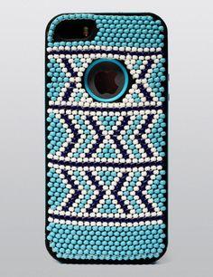 Xhosa-inspired beadwork iPhone case. In peyote stitch. Fabulous DIY!