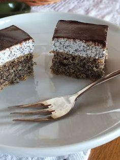 Ízőrző: Mákos krémes sütemény (majdnem lisztmentes) Poppy Cake, Torte Cake, Good Food, Yummy Food, Hungarian Recipes, Hungarian Food, Cakes And More, Healthy Desserts, Cake Cookies