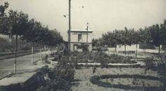 Estación de Arnedo vista desde el parque. A la izquierda se aprecian las vías del tren.