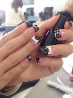 Nails by Hannah @ https://www.wrapwithlorraine.com