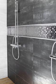 Ensuite Bathrooms, Bathroom Toilets, Laundry In Bathroom, Bathroom Interior Design, Decor Interior Design, Modern Master Bathroom, Shower Remodel, Bathtub, Saunas