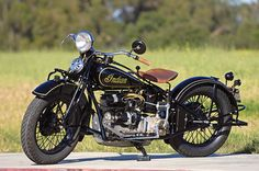 1933 Indian Four. When this bike was introduced, a four-cylinder motorcycle was a tool for the wealthy or a well-funded police force. Photo by Gary Phelps; article by Greg Williams. Motos Vintage, Vintage Indian Motorcycles, Antique Motorcycles, Vintage Bikes, Vintage Cars, Triumph Motorcycles, American Motorcycles, Custom Motorcycles, Bobbers