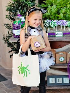 Free Printable Templates for Halloween Glittered Trick-or-Treat Bags on HGTV :: Designed and Styled by The TomKat Studio