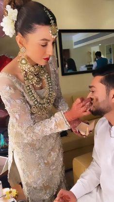 Bengali Bridal Makeup, Bridal Makeup Looks, Indian Bridal Fashion, Pakistani Bridal Wear, Fancy Wedding Dresses, Colored Wedding Dresses, Celebrity Couples, Celebrity Weddings, Bridal Songs