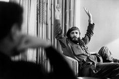 """Jusqu'à 4 heures du matin, Fidel Castro parle de la crise des missiles, des Etats-Unis et de John F. Kennedy, que Jean Daniel a rencontré moins d'un mois auparavant à Washington. """"Marcacommencé à faire de manière quasi automatique des centaines de photos. Il était heureux"""", se souvient JeanDaniel. Lesurlendemain, MarcRiboud retournera en France, auchevetdesasœurFrançoise qui a eu un accident de voiture. Michèle et JeanDaniel, invités par Castro dans sa demeure, apprendront la…"""