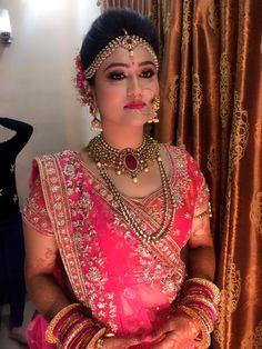 Best Bridal Makeup, Bridal Makeup Looks, Makeover Studio, Bridal Makeover, Best Makeup Artist, Bridal Poses, Indian Look, Bride Portrait, Asian Bridal