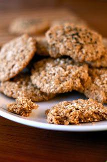 Estas galletas están hechas 100% de avena , no necesitan otra harina en su preparación. Son muy ricas, quedan crocantes por fuera y b...