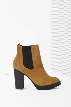 Shoe Cult Ramble Chelsea Boot - Olive | Shop What's New at Nasty Gal