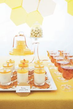 Honey Panna Cotta, Honey Tupelojitos in Hive Glasses #SweetDesigns