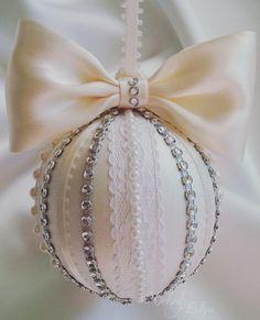 Ideas Diy Christmas Tree Ornaments Baby For 2019 Victorian Christmas Ornaments, Quilted Christmas Ornaments, Diy Christmas Ornaments, Handmade Christmas, Christmas Tree Ornaments, Christmas Crafts, Xmas Tree, Rustic Christmas, Handmade Ornaments