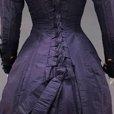 Gothic gown, 1877.  Gorgeous!