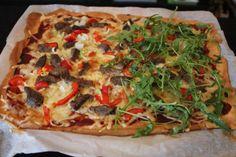 I dag ble det lavkarbo pizza både til lunsj og middag. Nam nam. Og her kommer oppskrift som je... Low Carb Recipes, Healthy Recipes, Healthy Food, Low Carb Pizza, Snacks, Coleslaw, Cottage Cheese, Vegetable Pizza, Keto
