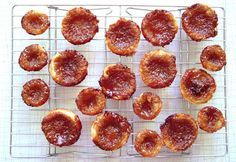 Day Cosmos & Cupcakes, party snacks and Butter Tarts (best pastry recipe ever! Best Pastry Recipe, Pastry Recipes, Dessert Recipes, Desserts, Party Snacks, Appetizers For Party, Raisins Image, Canadian Butter Tarts, Ice Cream Drinks