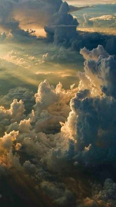 Beautiful Places and Amazing Nature Wallpapers Beautiful Sky, Beautiful Landscapes, Beautiful World, Beautiful Places, Above The Clouds, Sky And Clouds, The Sky, Storm Clouds, Landscape Photography