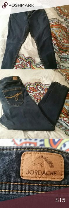 Jeans Jordache women's skinny jeans 84% cotton 14% polyester and 2% spandex these are very soft and comfortable. jordache  Jeans Skinny