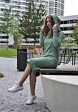 Teplákové šaty Clara Smoke Mint s kapucňou a predĺženým rukávom / ajkadizajn - SAShE.sk Smoking, Turtle Neck, Sweaters, Fashion, Tunic, Moda, Fashion Styles, Sweater, Fashion Illustrations
