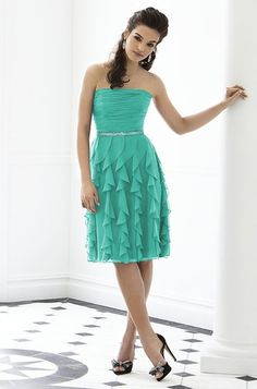 My maid of honor's dress and color!!  For more wedding tips and ideas go to my blog. www.mrspurplerose.com